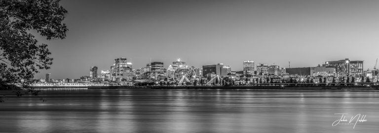 Montreal by night Black & White